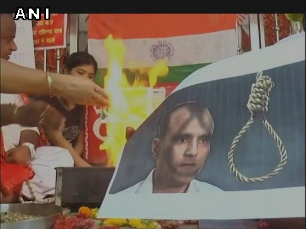 Indians offer prayers for safe release of Kulbhushan Jadhav