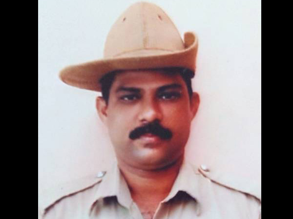 Traffic cop turns Good Samaritan to help distressed lady driver in Mangaluru