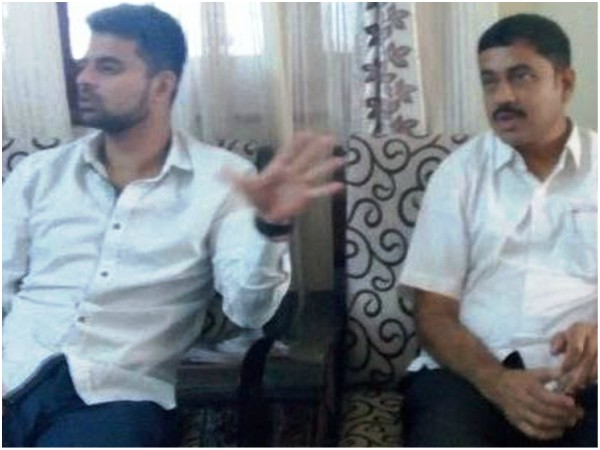 Mandya Jds Leader Prajwal Revanna Visited Late S Nanjappa S House