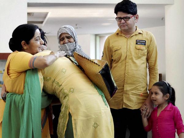 ಪಾಕಿಸ್ತಾನಕ್ಕೆ ಹೋಗುವುದು ಸರಳ, ವಾಪಸ್ ಬರುವುದು ಕಷ್ಟ : ಉಜ್ಮಾ