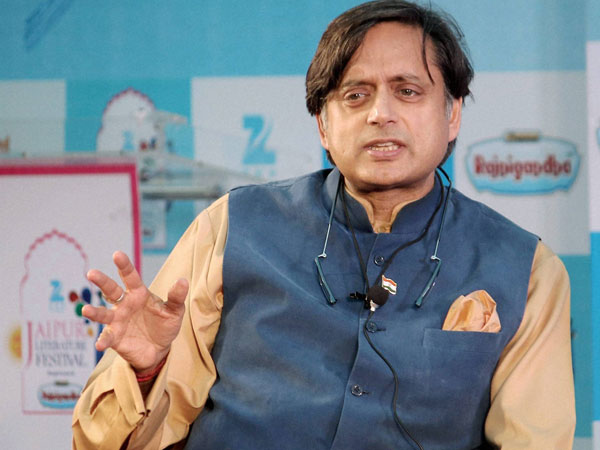 Twitter Finds Amusement On Shashi Tharoor English Used To Hits Back Arnab