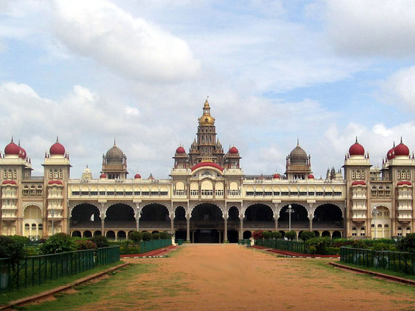 There Is No Positive Response To Karnataka Bandh In Palace City Mysuru