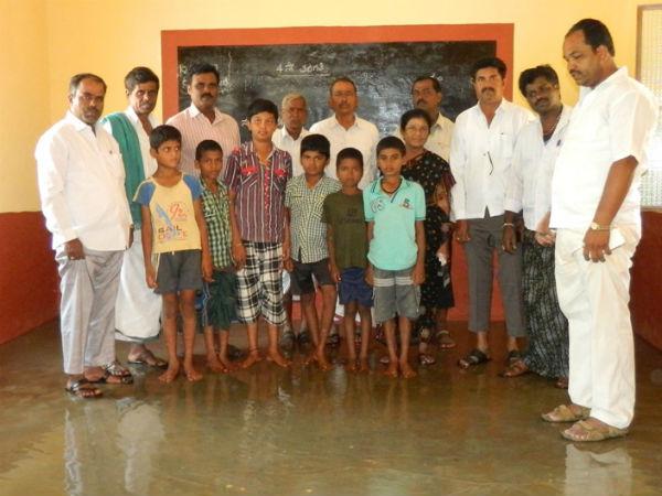 Poor Construction Of A School Karnataka Cm Siddu S Varnuna Constituency