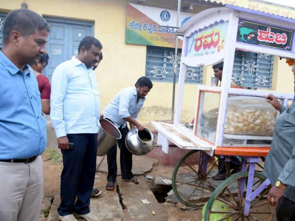 Chamarajanagar City Municipality Banned Roadside Food Stalls