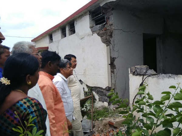 Jagadish Shettar Has Inspected Houses Constructed By Ksdb In Kanya Nagar