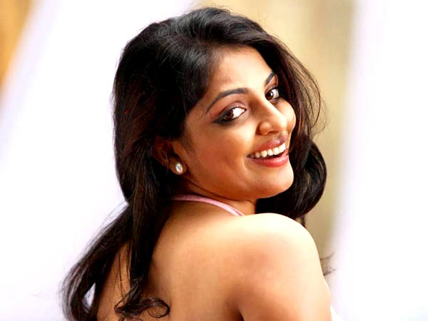 Malayalam actress Mythili private pictures leak