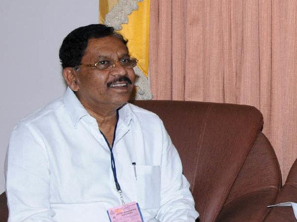 Ex Home Minister G Parameshwara S Hand In Luxurious Facility To Sasikala
