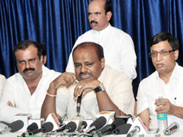 HD Kumaraswamy came to defence Alva's Institutions in Kavya suicide case