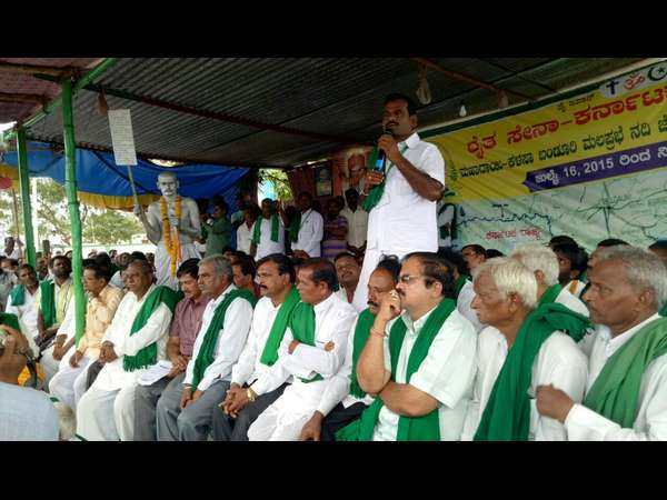 Rajya Raitha Sangha president starts indefinite hunger strike for Mahadayi