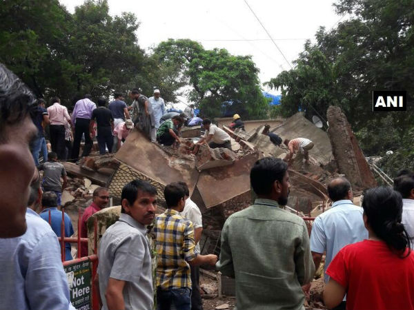 2 buildings collapsed in Mumbai:14 people dead