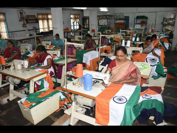 Karnataka Khadi Gramodyog Samyukta Sangh expect Rs 2.5 crore turnover by national flag sale