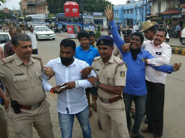 Hindu Mahasabha members arrested for disurbing meeting in favour of Mohan Alwa