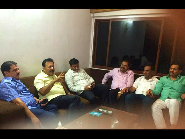 Zameer Ahmed Khan and other rebel JDS MLAs reach Delhi