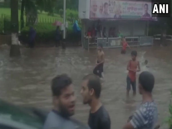 Don't come out side: Mumbai Mahangar Palika request its citizen as heavy rain crates havoc