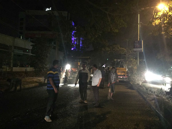 BBMP commissioner inspects potholes, fix dead line to filling up
