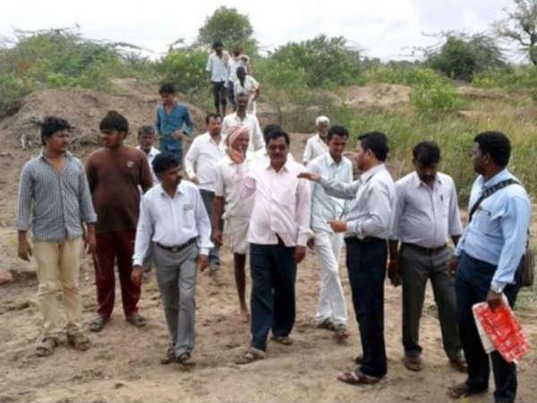 ಬೆಳಗಾವಿ: ಅಕ್ರಮ ಮರಳು ಗಣಿಗಾರಿಕೆ, ಲಾರಿ ಜಪ್ತಿ