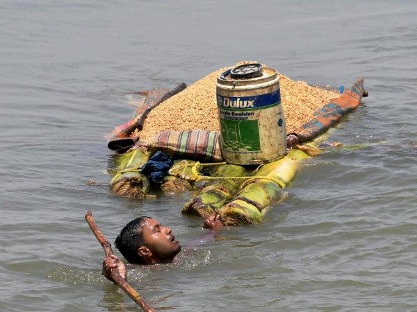 ವಿಡಿಯೋ: ಬಿಹಾರ ಜಲ ಪ್ರಳಯದ ನಡುವ ಮನಕಲಕುವ ದೃಶ್ಯ
