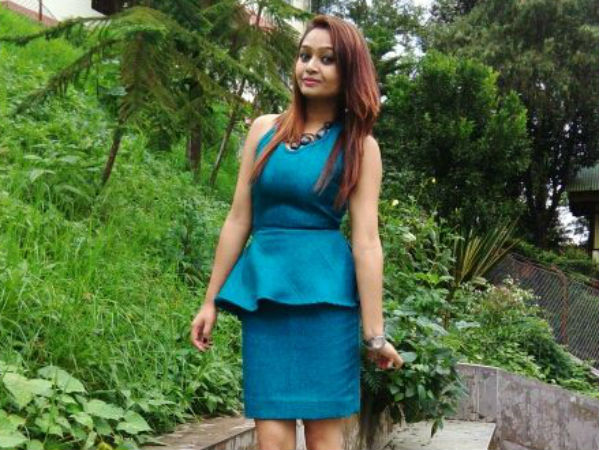 An air hostess in Kolkatta dies mysteriously infront of her flat