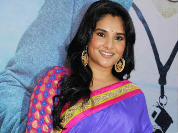 Bjp Workers In Mandya Offered Bagina To Kannada Actress Ramya