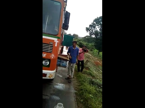 Snake found inside the cabin of Gas Tanker truck at Uppinangady