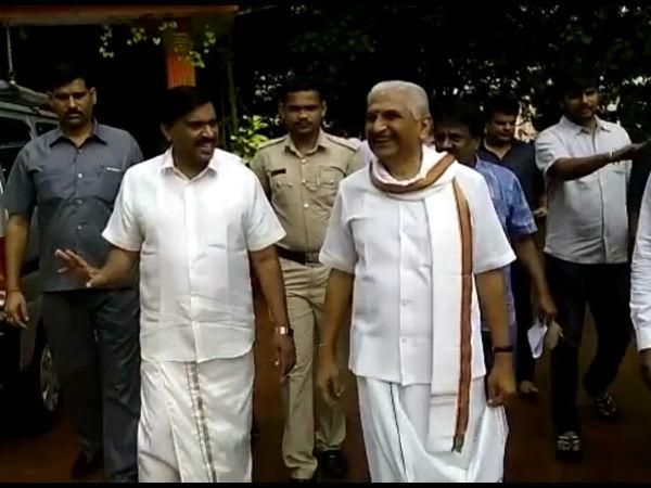 Former Minister Janardana Reddy Donates 26 Lakhs To Kalladka School