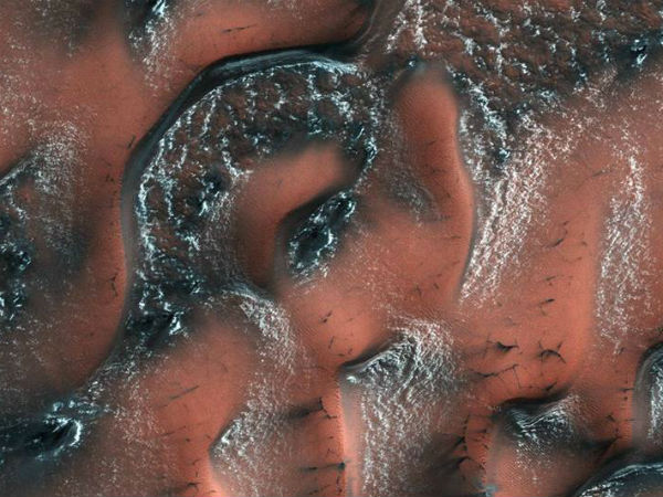 NASA image captures the 'beautiful patterns' on Mars created by dry ice