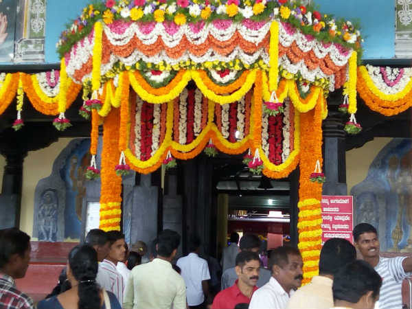Newly wed couple fair at Perdur Anantha Padmanabha temple