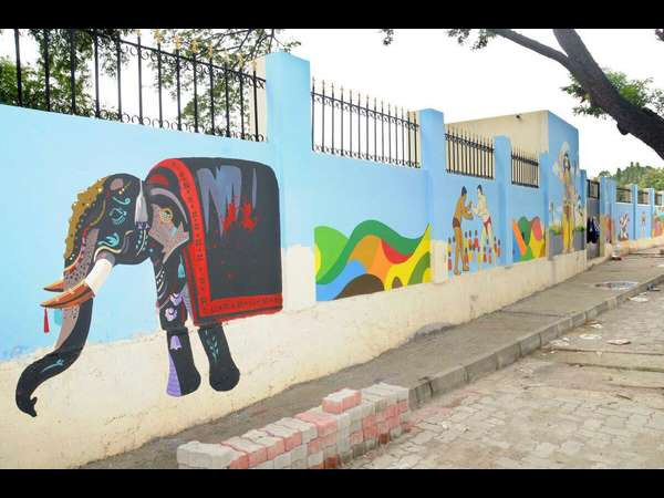 Mysuru Dasara: District administration releases Rs 10 lakh for wall painting
