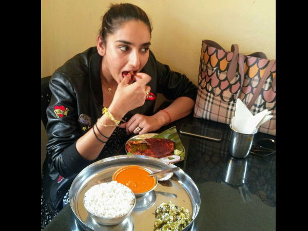 Sandalwood Actress Ragini Dwivedi Tasted Angel Fry In Mangaluru