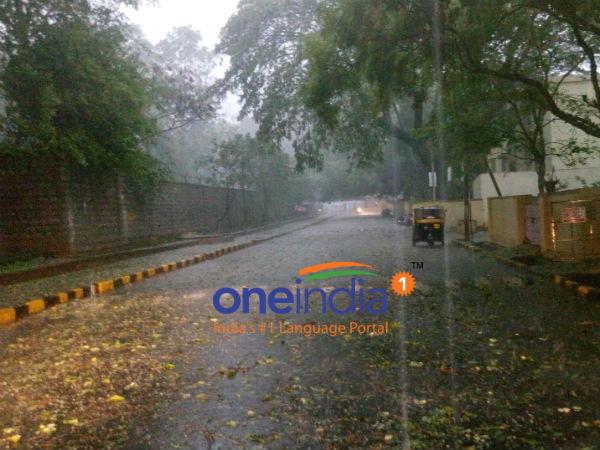 Heavy Rain Batters Bengaluru Many Areas Waterlogged