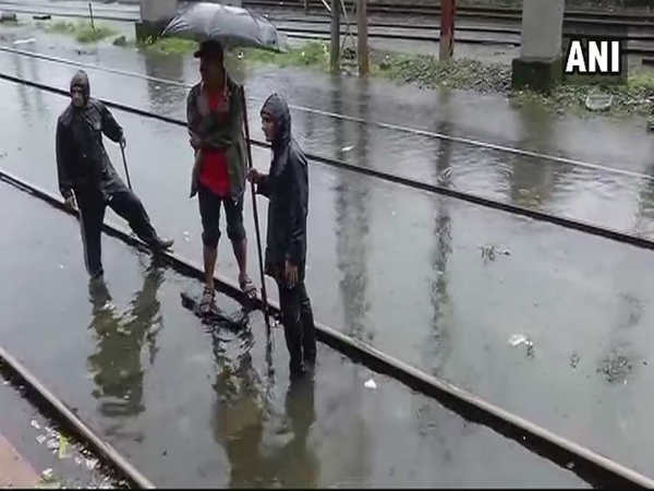 Mumbai receives 100 mm rain on Tuesday,