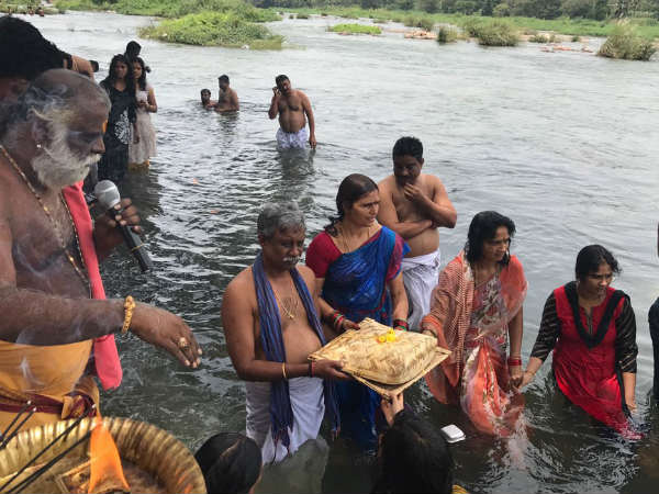 Andhra Pradesh Minister Participated In Pushkar Mela Performed Pooja In Cauvery River Srirangapatna