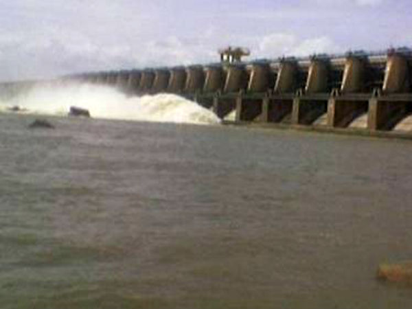 Three Villages Lingasugur Engulfed By Water Released From Basava Sagara Dam