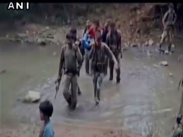 Crpf Personnel Carried Sick Tribal Women On Foot For 7 Km