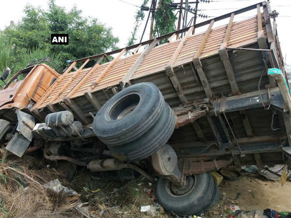 People Died In An Accident In Aligarh Up
