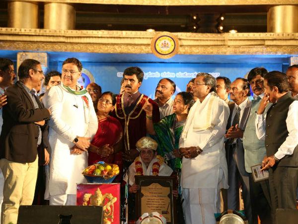 Mysuru Dasara Vidwan Award To Singer Rajamma Keshavamurthy