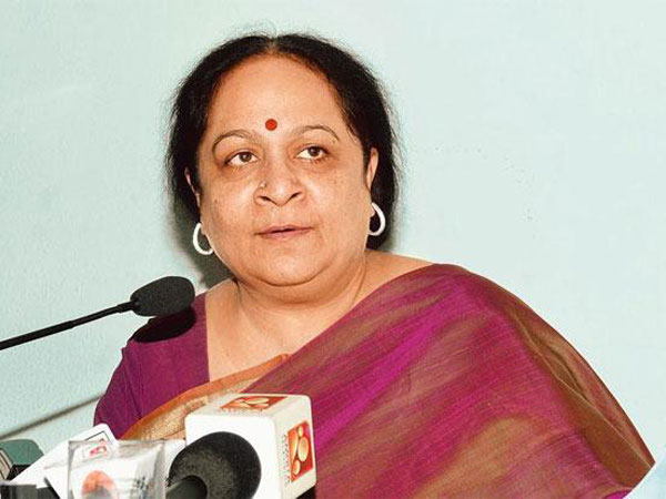 Cbi Raids Former Union Minister Jayanthi Natarajan S House In Chennai