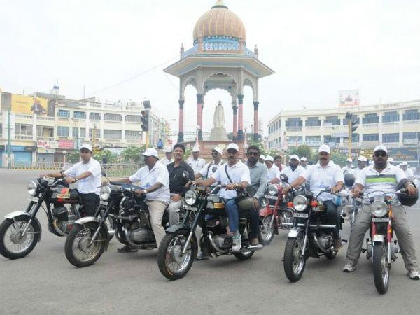 ಮೈಸೂರು: ಪಾರಂಪರಿಕ ಹಾದಿ ಹಾದುಬಂದ ಜಾವಾ ಬೈಕ್ ಗಳು