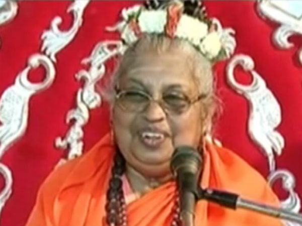 Siddaganga Sri Acting According To Bharat Ratna Lure By Some Politicians