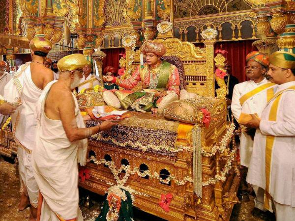 ಮೈಸೂರು ಅರಮನೆ ರತ್ನಖಚಿತ ಸಿಂಹಾಸನ ವೀಕ್ಷಣೆಗೆ 2 ವರ್ಷಗಳ ನಂತರ ಅವಕಾಶ