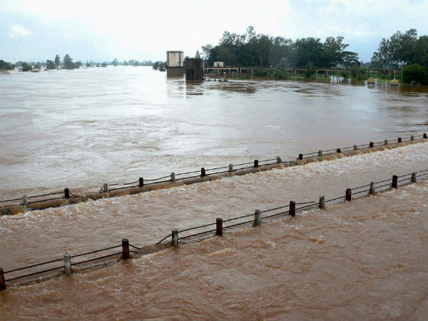 Excess Water Is Released In Krishna River Several Villages Lost Connectivity