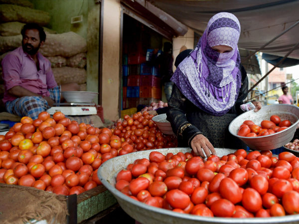 Pakistan rejects Indian tomatoes though prices soar
