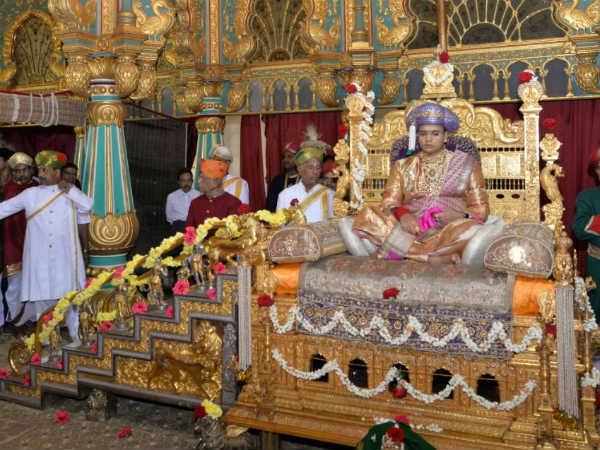ಮೈಸೂರು ದಸರಾ: ಯದುವೀರ್ ಖಾಸಗಿ ದರ್ಬಾರ್ ವಿಶೇಷ ಕ್ಷಣಗಳು