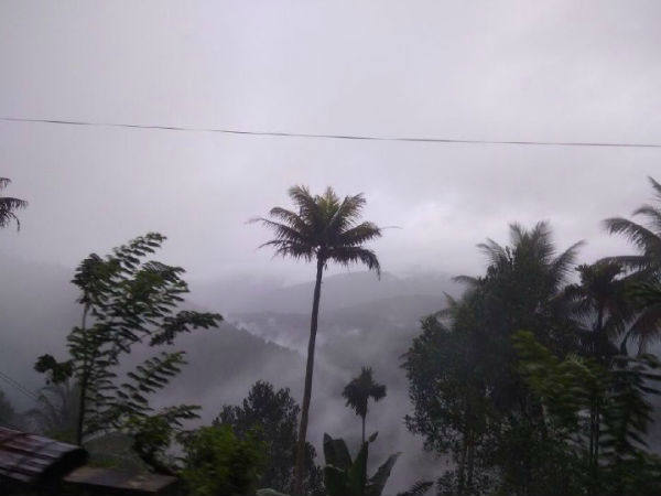 Heavy Rain In Kerala Experience Shared By Shabarimalai Traveler