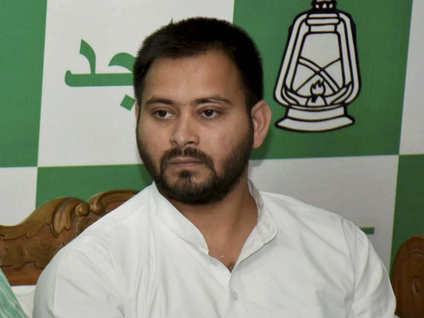 Nitish Kumar Turns Down Tejashwi Yadav S Request Of Not Vacating Government Bunglow