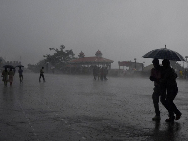 Heavy Rain In Uttara Kannada Where As Keruru Gets Heavy Rainfall