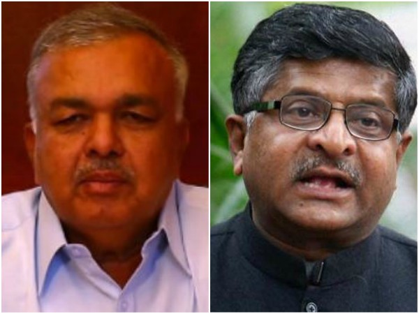 Ramalinga Reddy hits out at Prasad over charge on Gauri's murder