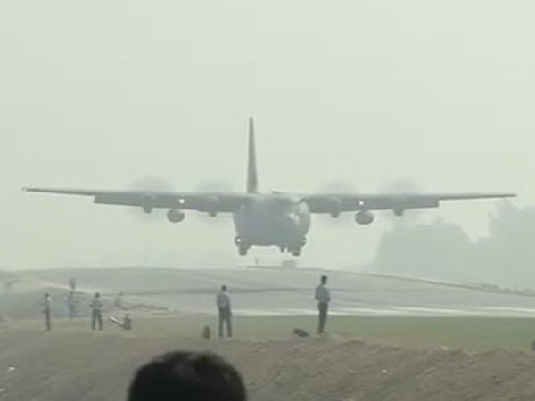 The Indian Air Force began drill to touchdown 20 aircraft on the Lucknow-Agra Expressway