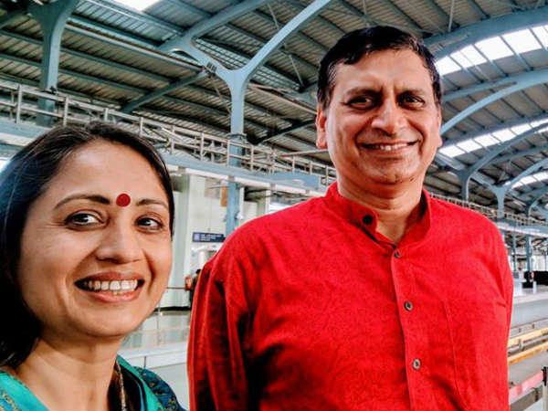6 IAS officers including Dr. Shalini Rajneesh and Dr. Rajneesh Goel transferred