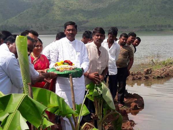 Bagina Offered To Shanti Sagar Lake Davanagere